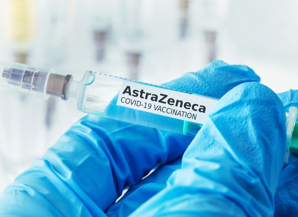 Le nuove indicazioni del Comitato Tecnico Scientifico: il vaccino Astrazeneca solo agli over 60